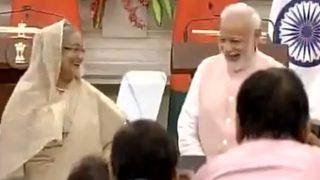 वीडियो: जब अनाउंसर ने शेख हसीना और पीएम मोदी से अपना पद छोड़ने के लिए कहा तो...