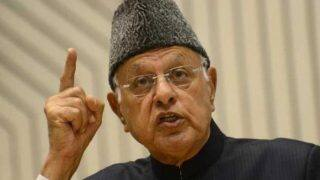 श्रीनगर उपचुनाव नतीजे: फारूख़ अब्दुल्ला निकले आगे, पीडीपी को पछाड़ा