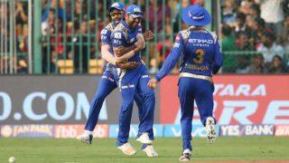 IPL 2017: रोहित शर्मा का एक हाथ से लिया डिविलियर्स का ये शानदार कैच, भूल नहीं पाएंगे आप!
