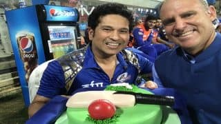 Sachin Tendulkar celebrates his birthday by cutting cake at IPL match at Wankhede