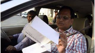 CBI team at Delhi Health Minister Satyendra Jain's residence, quizzes his wife in money laundering case