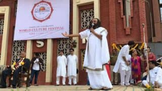 Baba Ramdev's Patanjali to Face Tough Competition as Sri Sri Ravi Shankar Plans to Open More Herbal Retail Stores Across India