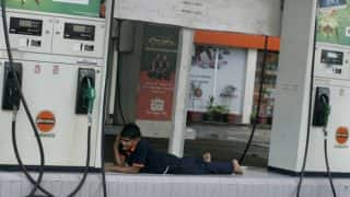 अमेरिकी भविष्यवक्ता ने की भविष्यवाणी, आने वाले समय पेट्रोल का दाम होगा 30 रुपए लीटर