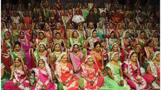 सरकारी आदेश पर शिक्षकों को सामूहिक विवाह में परोसना पड़ा खाना