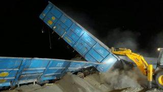 5 wagons of goods train derailed near Dudhani railway station in Maharashtra
