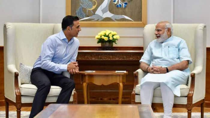 PM Modi wooed by Akshay's Toilet idea
