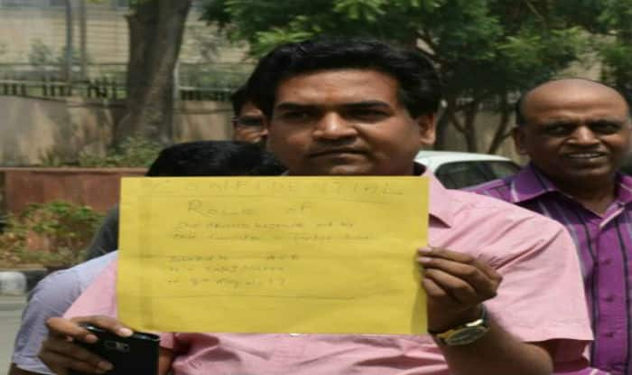 Kapil Mishra begins hunger strike, seeks details of AAP leader's foreign trip