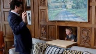 Canadian PM Justin Trudeau's son Hadrien Grégoire has a blast with dad in his office! (See Pictures)