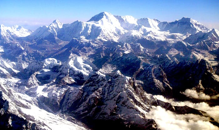 Mount Everest's Hillary Step collapses, mountaineers confirm