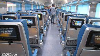Tejas Train Latest Update: IRCTC ने किया ट्वीट, फिर से दौड़ेगी पहली प्राइवेट ट्रेन तेजस, जानिए किराया...