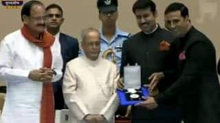 सोनम कपूर और अक्षय कुमार को राष्ट्रपति प्रणब मुखर्जी ने नेशनल अवार्ड से नवाज़ा