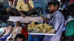 IRCTC/Indian Railway: ट्रेनों में अब नहीं मिलेगा खाना? जानें क्या है रेलवे की योजना