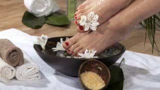 How to make a natural foot scrub at home for soft, happy feet