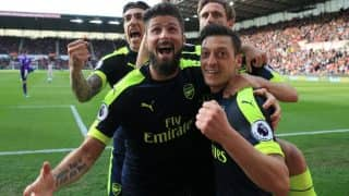 EPL 2016-17: Olivier Giroud double keeps top-four hopes alive for Arsenal