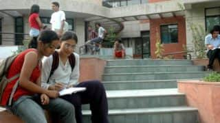 कश्मीरी छात्रों की किस्मत बदलने का बीड़ा आईआईटी छात्रों ने उठाया