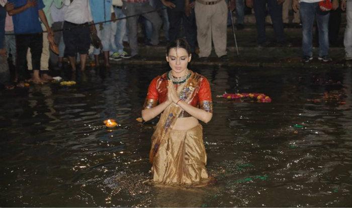Queen girl Kangana Ranaut Injured On Manikarnika Set; Gets 15 Stitches On Forehead 3