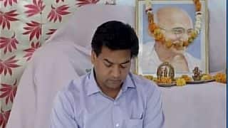 Kapil Mishra sits on hunger strike, claims to have received death threats