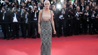 Kristen Stewart turns up at Cannes 2017 in a Chanel skirt