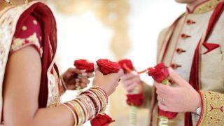 बॉयफ्रेंड के घर पहुंची गर्लफ्रेंड, कहा- 'आपके बेटे से करती हूं प्यार', मंदिर में तुरंत करा दी गई शादी
