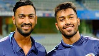 IPL 2017: Hardik Pandya and Krunal Pandya involved in a fight? Well, their Twitter conversation suggests so!