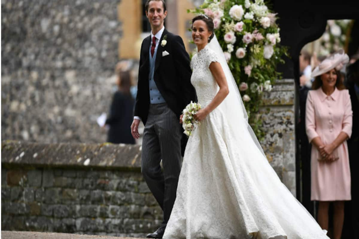 Pippa Middleton S Wedding Dress Photos Kate S Sister Gets Hitched