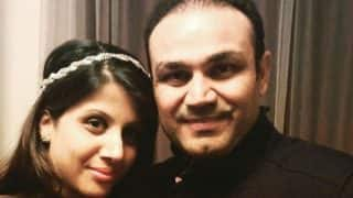 Virender Sehwag's latest tweet is the mantra of his happy married life with wife Aarti and his fans react on it in the most hilarious way!