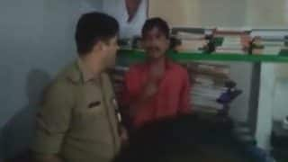 Uttar Pradesh: Man claiming to be nephew of SP MLC Ramesh Yadav slaps policeman in Etah (Watch Video)