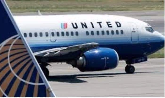 A United Airline aircraft
