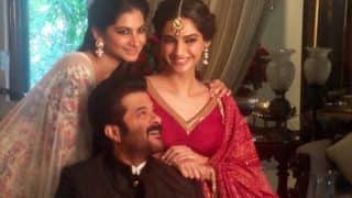 Anil Kapoor plays the knight in shining armour for daughters Sonam and Rhea Kapoor!