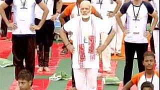 जगभरात योग दिन साजरा, मोदींनी लखनऊमध्ये केली योगासने