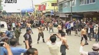 दार्जिलिंग: उफान पर विरोध प्रदर्शन, जीजेएम ने निकाली 'ट्यूबलाइट' रैली