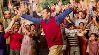 Salman Khan's entry scene in Tubelight was celebrated by enthusiastic fans by bursting firecrackers inside Malegaon theater! (Watch video)