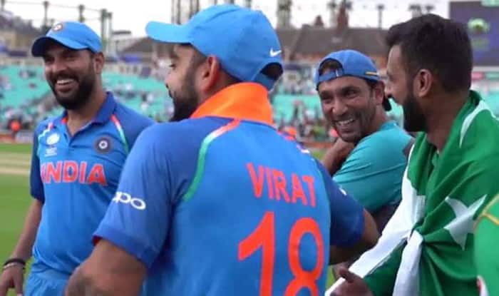 Virat Kohli And Yuraj Singh Laughing With Pakistani Players After Losing ICC Champions Trophy 2017 Puts True Sportsmanship On Display Watch Video
