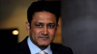 Former Indian Cricketer Anil Kumble Fulfills Wish of Die-Hard Fan on Flight, After She Tweets Desire to Meet Him