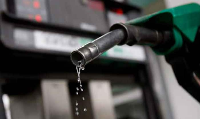 Petrol Price Down by Re 2 Per Litre, Diesel by Re 1 Since Daily Dynamic Pricing Began | India.com