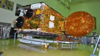 अंतरिक्ष में इसरो की फिर लंबी छलांग, आधी रात को लॉन्च किया उपग्रह जीसैट-17