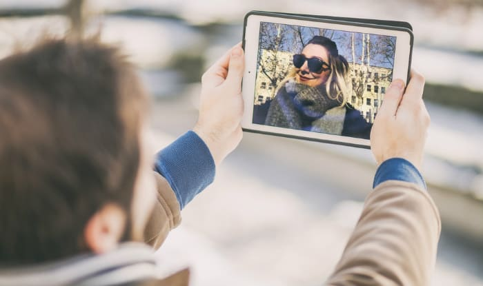 Technology for long distance couples