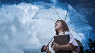 Expert beauty tips to take care of your skin in the monsoon season