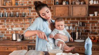 क्या अमेरिका में खत्म हो रही 'विवाह' संस्था? करीब आधे बच्चों की मांएं होती हैं बिन ब्याही