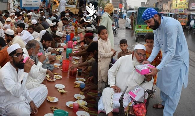 Sikh men distributing Iftar to fasting Muslims in Pakistan ...