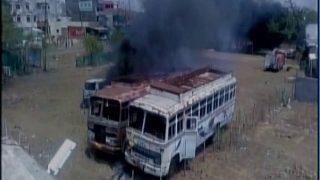 मंदसौर की हिंसा देवास तक फैली, थाने पर हमला, बसों में लगाई आग