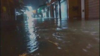 महाराष्ट्र: भारी बारिश के चलते ठाणे के कई इलकों में भरा पानी