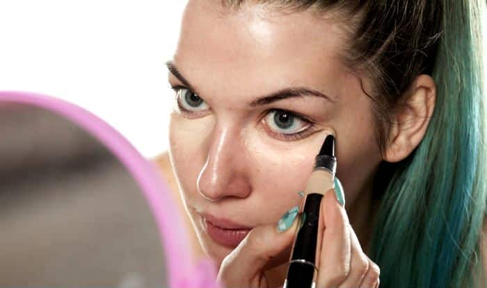 How to apply concealer: Step-by-step guide to apply concealer like a pro!