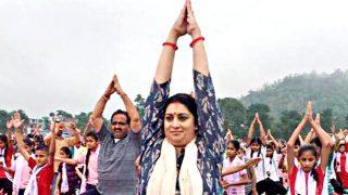 योग दिवस: केद्रीय मंत्री स्मृति और मुख्यमंत्री खट्टर ने किया योग
