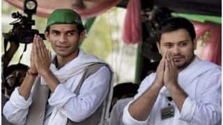 Bihar Budget 2018: When Younger Brother Tejashwi Tried to Pacify a Furious Tej Pratap Yadav - Watch