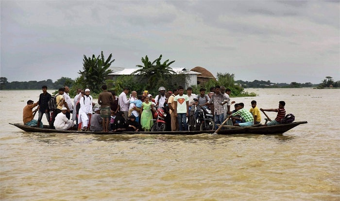 Sonowal visits flood hit Kaziranga National Park