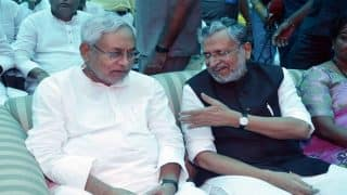 Amid Talks of Rift Between BJP-JD(U), Nitish Kumar, Sushil Modi Attend Iftar at Paswan's House