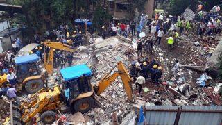 मुंबईः घाटकोपर इमारत हादसे में अब तक 11 लोगों की मौत, शिवसेना नेता के खिलाफ FIR दर्ज