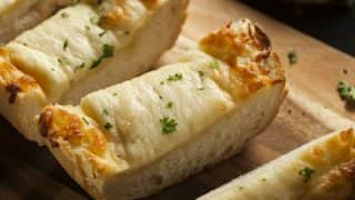 Garlic Bread Recipe: How to Make Delicious Cheesy Garlic Bread at Home