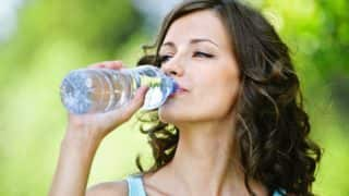 वजन कम करना है तो पीएं जमकर पानी, होंगे ये फायदे भी...